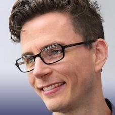 Headshot of Zachary Bastian